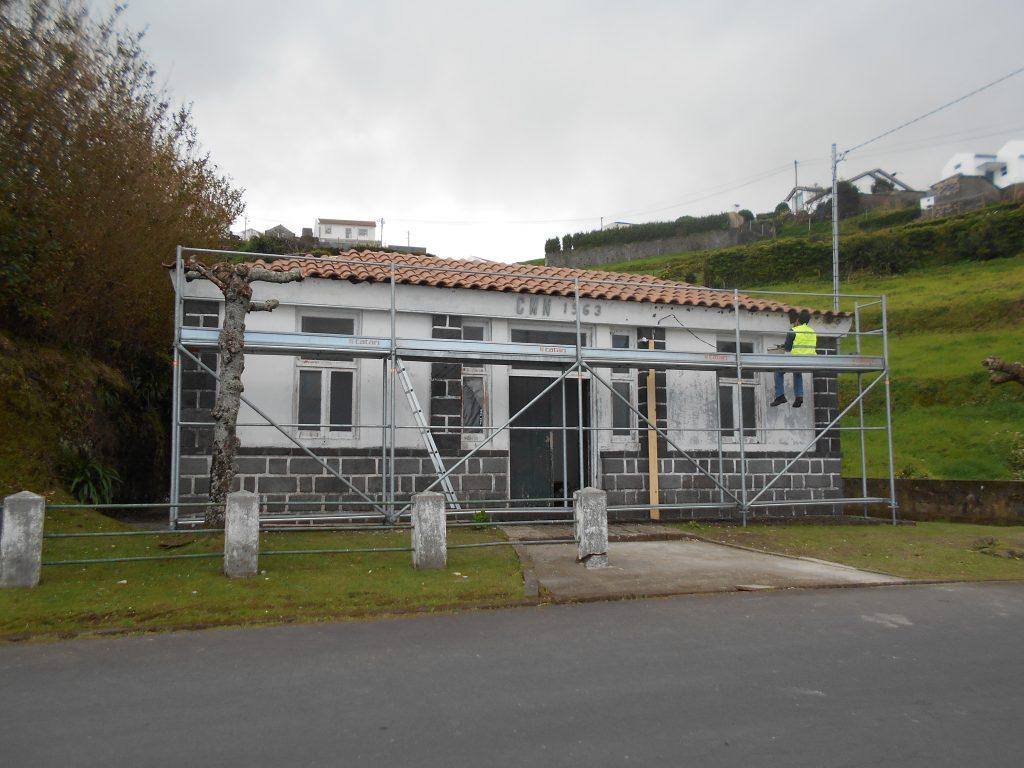 Beneficiação de sede da Junta de Freguesia de Santana (edificio da F. Grande) 1