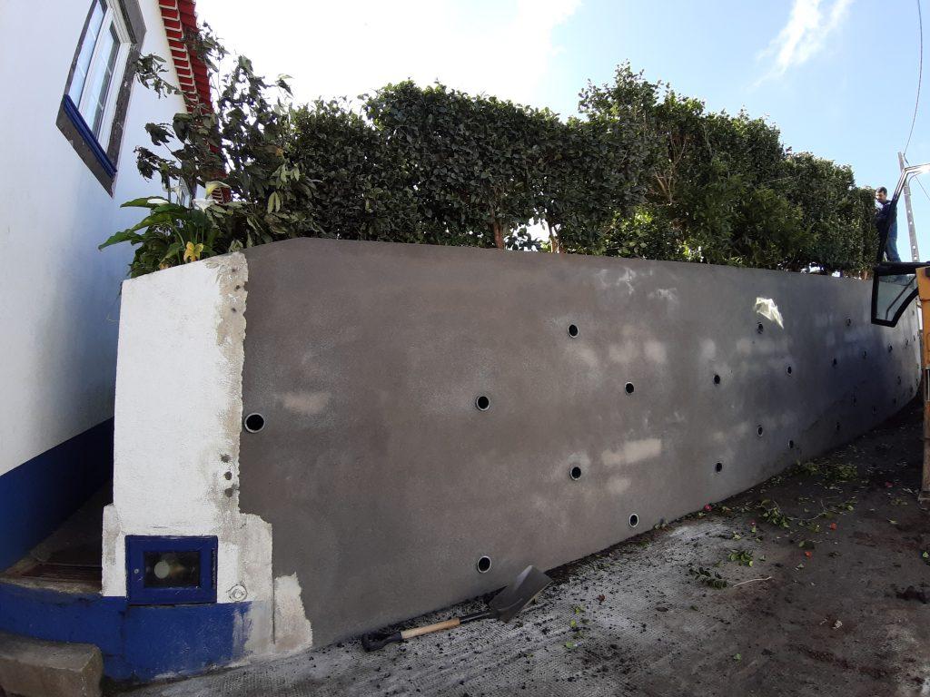 Reabilitação de muro na Pedreira
