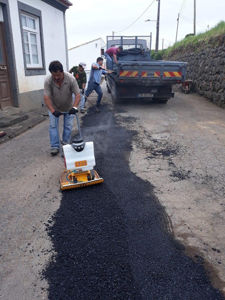 Beneficiação de pavimento na Assomada - Lomba da Fazenda