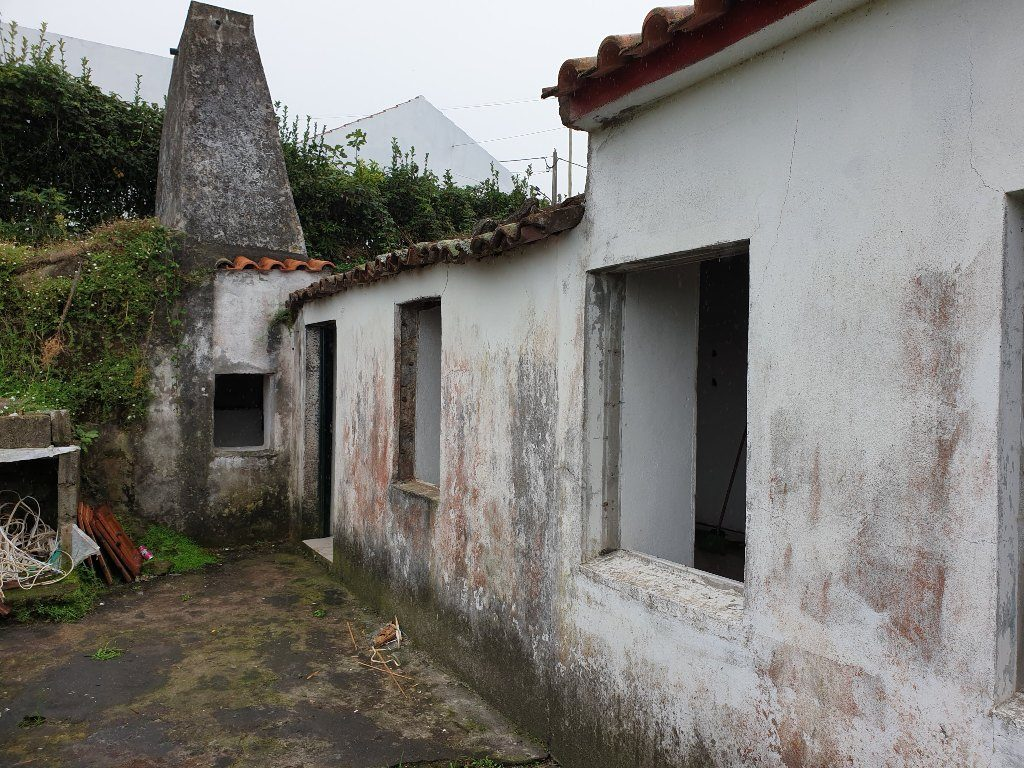 Habitação social na Feteira Grande - Santana