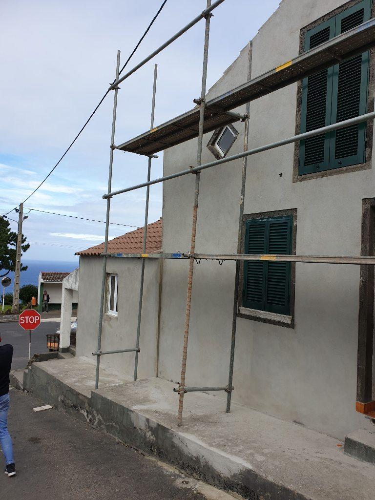 Habitação social na Feteira Grande - Santana (a)