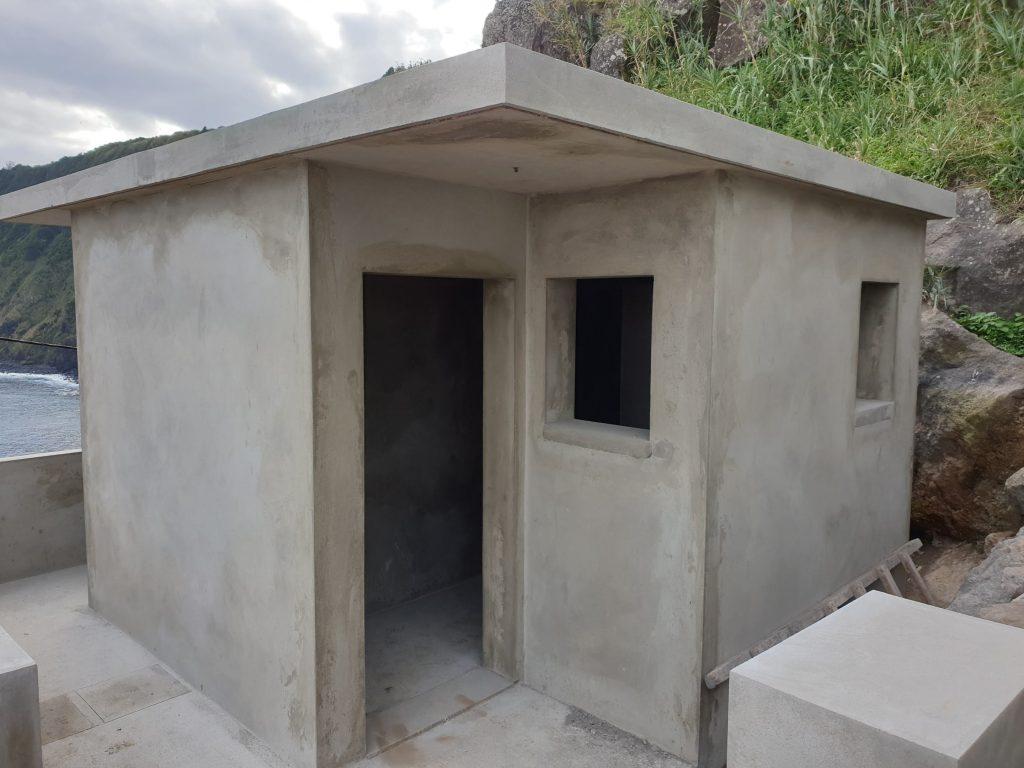 Continuação das obras de execução dos sanitários do Caminho do Porto - Vila do Nordeste