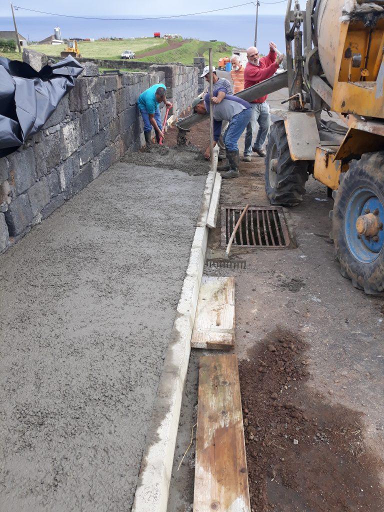 Execução de passeio no Caminho do Calhau - S. António de Nordestinho