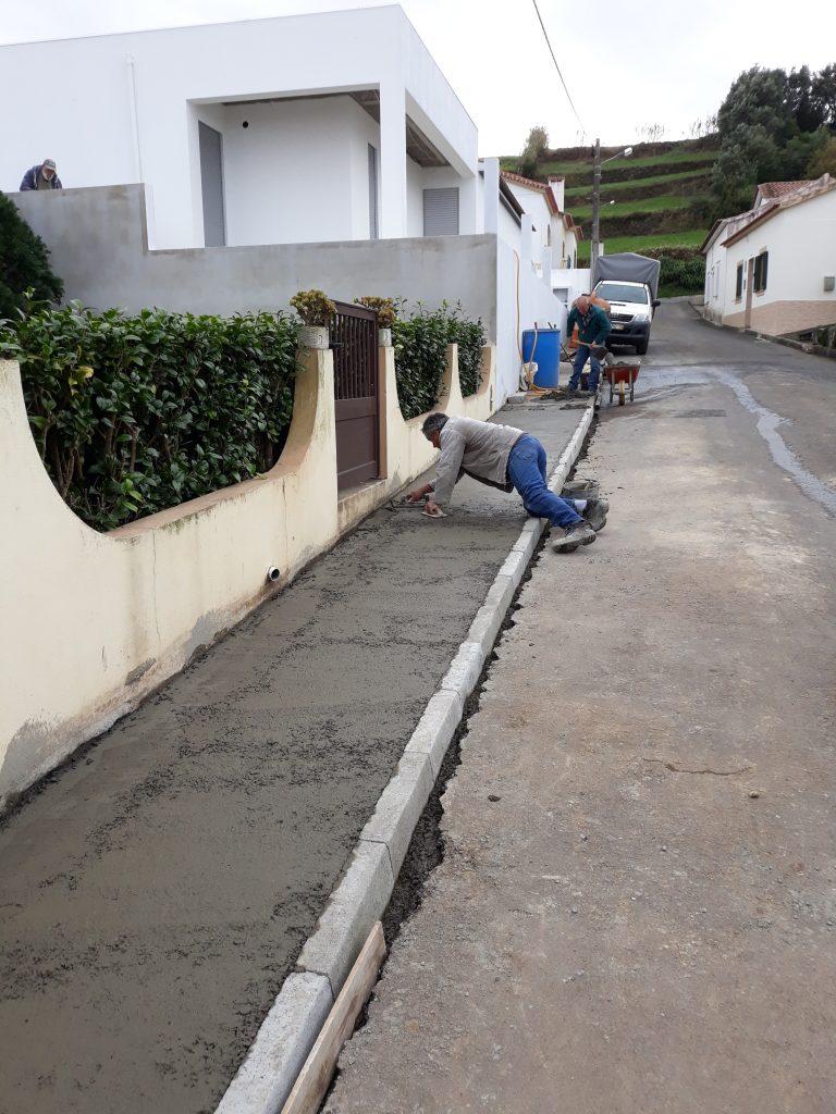 Execução de passeio no Caminho do Calhau - S. António de Nordestinho (a)