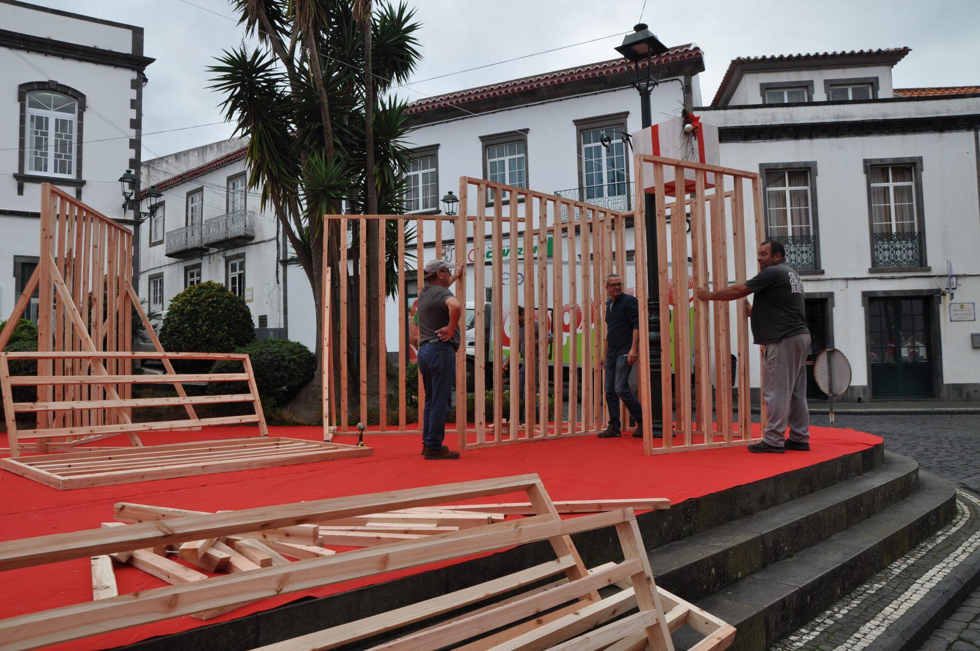 Preparativos das festividades de natal da sede do concelho