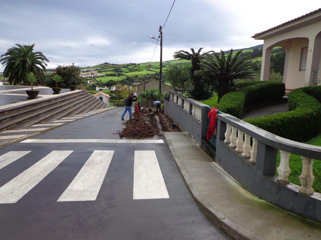 Reparação de Passeios na Rua da Igreja e Rua da Vila Nova - Santo António (2)