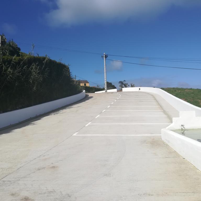 Concluído o parque de estacionamento do Caminho do Porto - Vila do Nordeste (2)