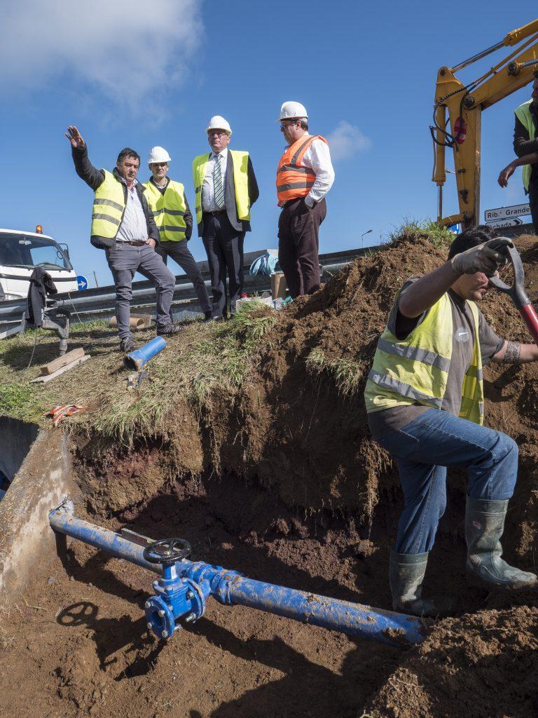 Continuação da execução da Adutora de abastecimento de água à Lomba da Cruz, Assomada e Algarvia (2)