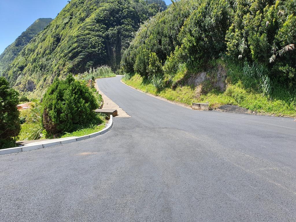 Pavimentações - Caminho do Lombo Gordo - Pedreira (2)