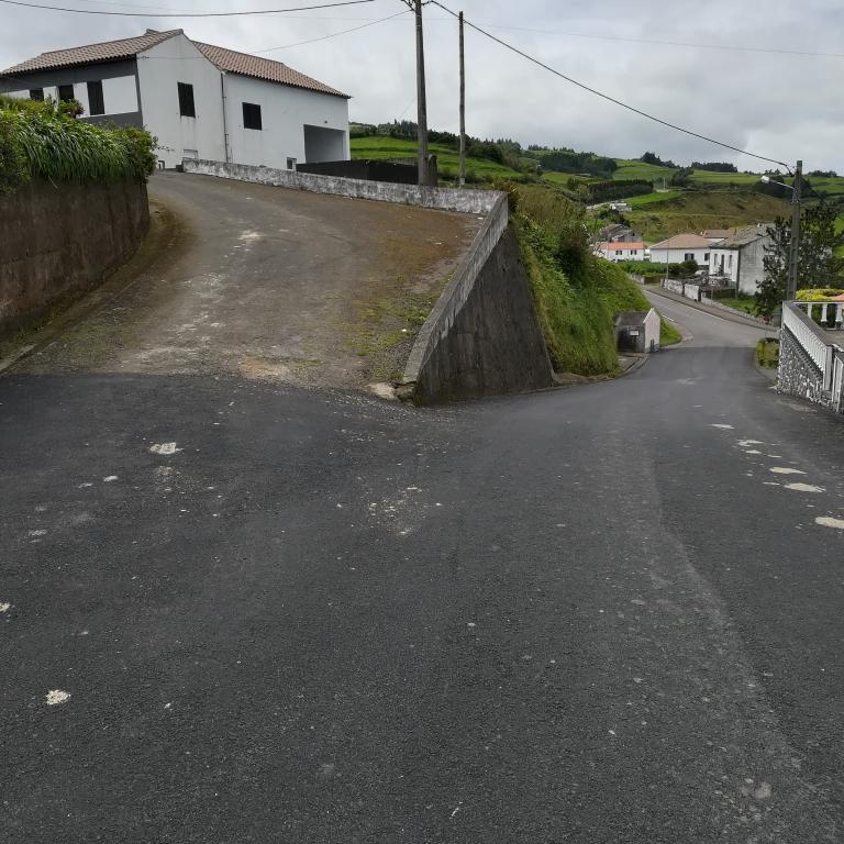 Pavimentações - freguesia da Algarvia (3)