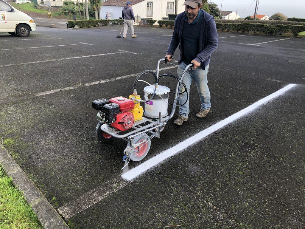 Inicio da reparação de pinturas dos parques de estacionamento do concelho