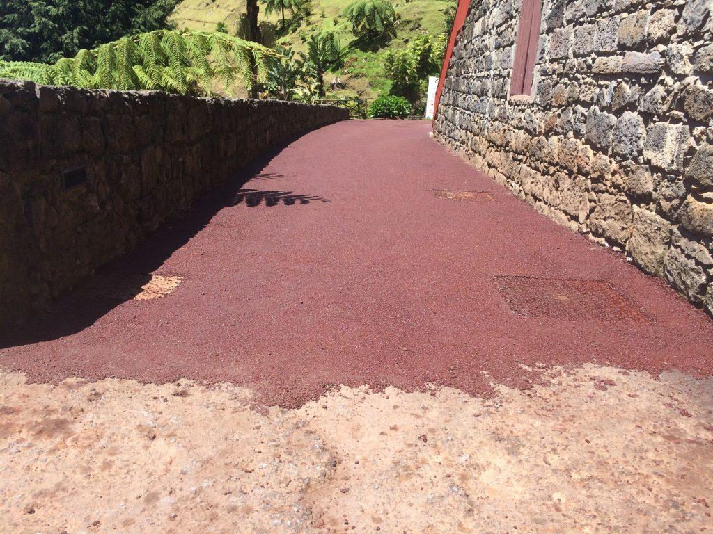 Beneficiação do pavimento do Parque da Ribeira dos Caldeirões