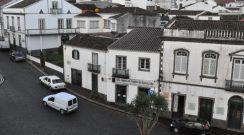 Reabilitação e uso de imóveis na Praça da República, Vila do Nordeste