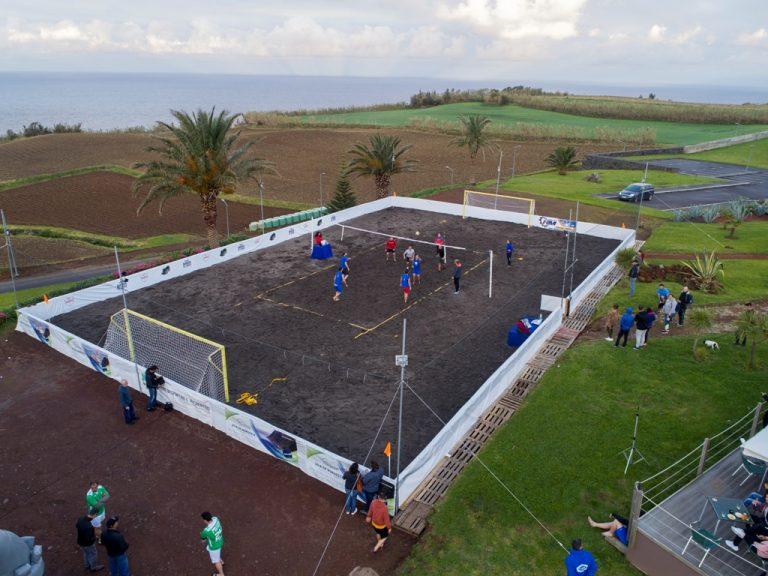 Vila do Nordeste passa a dispor de campo de voleibol e futebol de praia