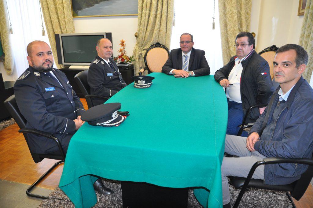 Presidente da Câmara do Nordeste recebe novo comandante da PSP