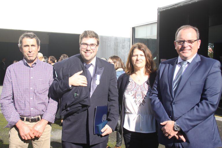 Nélio Miranda, vice-presidente da Associação de Jovens Agricultores, recebe medalha de mérito da Universidade dos Açores