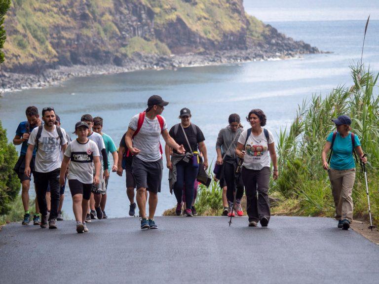 Fajã do Araújo abre passeios pedestres de verão no Nordeste