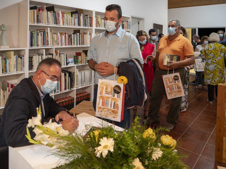 Lançamento de segundo livro de Rogério Frias
